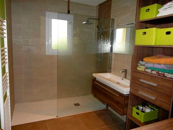 cabine de douche paroi boucard plomberie couverture. Black Bedroom Furniture Sets. Home Design Ideas