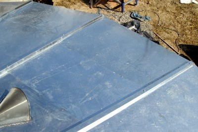 Façonnage d'un toit en zinc